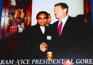 Ram-Tirath-Vice-President-Al-Gore-2